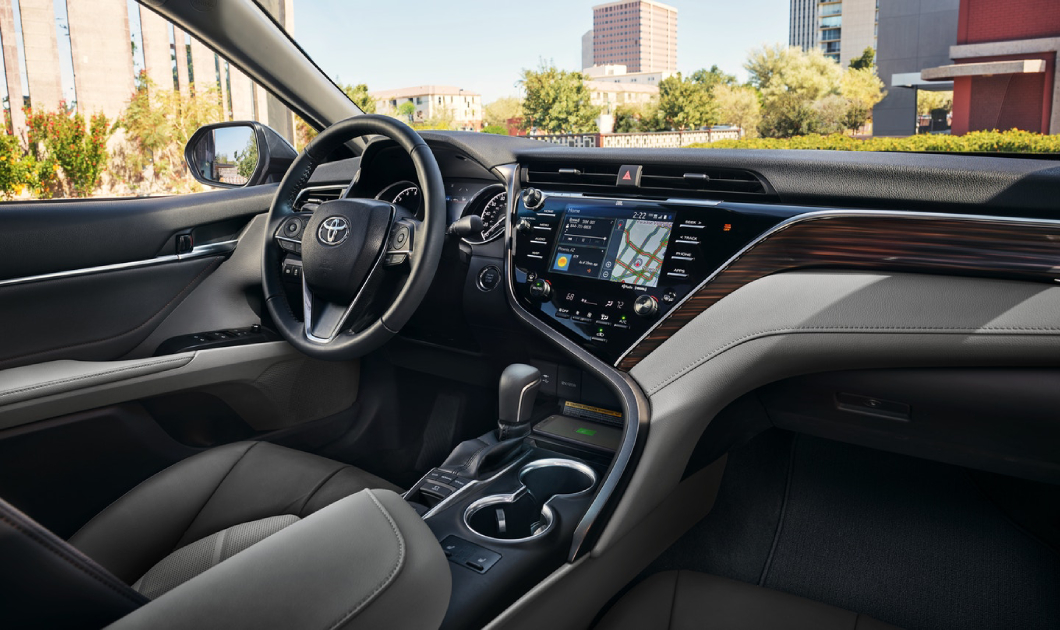2019 Camry Hybrid for Sale in Cleveland Ohio